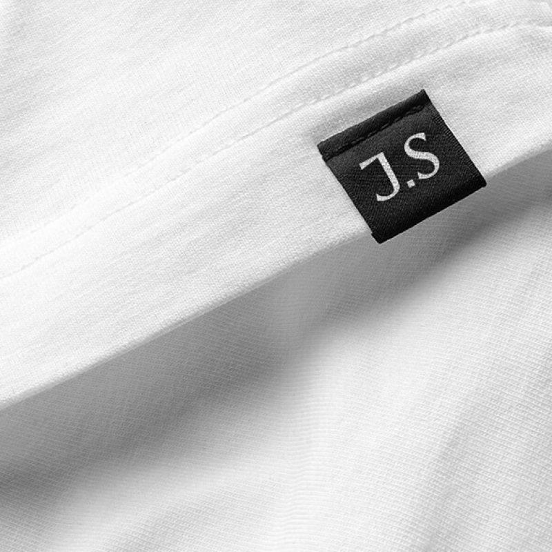 Нейминг и айдентика бренда одежды